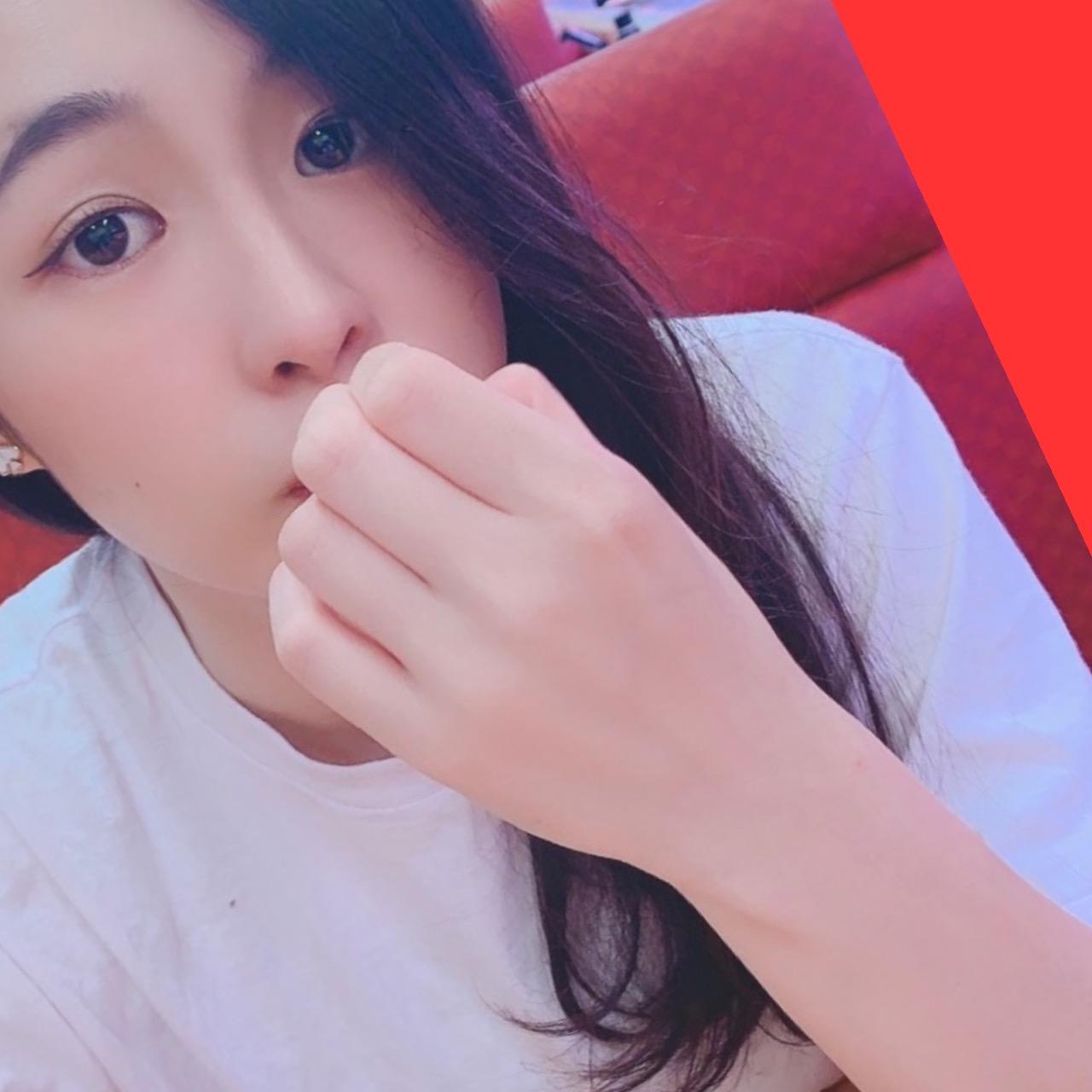 しおり(19)【モデル顔負け♪驚愕のスレンダーBODY♡】