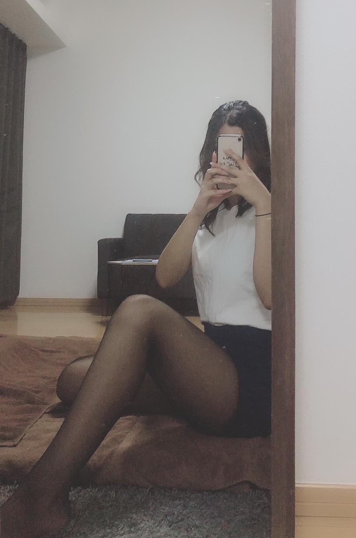 ひびき(18)【美脚×超絶スタイル!純粋無垢なシンデレラガール】